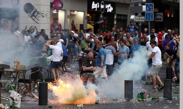 England-fans-clash-with-French-police-in-Marseille-679172