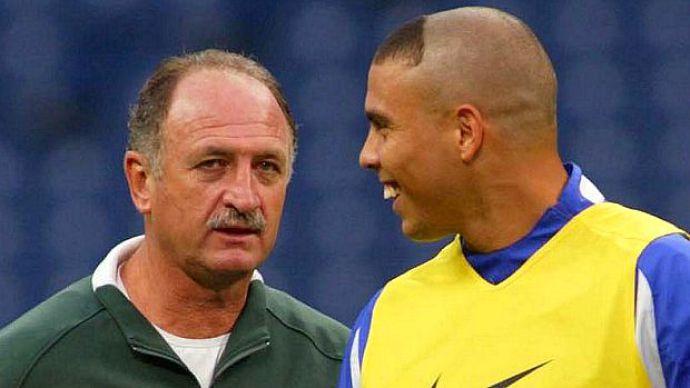 ronaldo-e-luiz-felipe-scolari-trabalharam-juntos-na-copa-do-mundo-de-2002-20020606-original