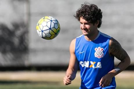 esporte-futebol-alexandre-pato-treina-com-o-corinthians