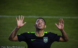 36D4726A00000578-0-Manchester_City_have_confirmed_the_27million_signing_of_Palmeira-a-15_1470237307967