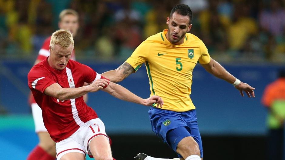 renato-augusto-denmark-brazil-rio-2016-olympics-10082016_ebcwvrli5p1f1mtzif47fgp9i.jpg