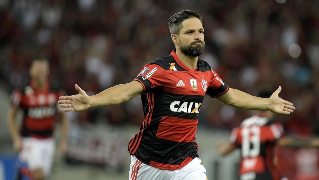 Diego tem a preferência de Tite na Seleção Brasileira