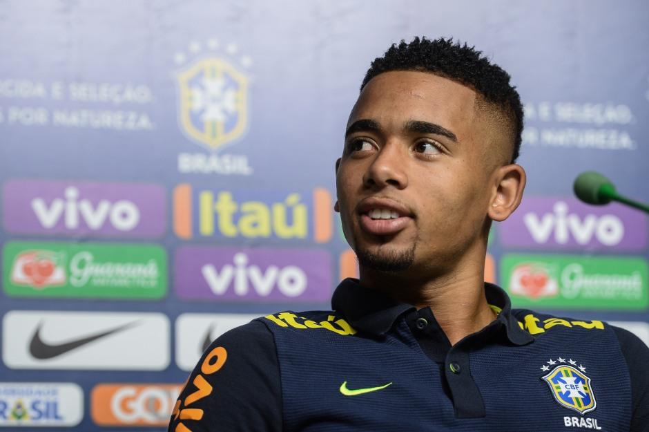 Gabriel Jesus com a Seleção na casa do Palmeiras