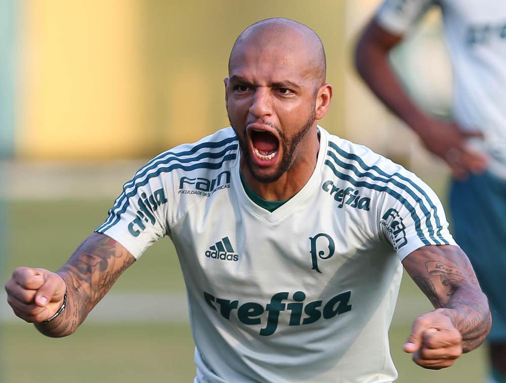 Felipe Melo vence Cuca no Palmeiras