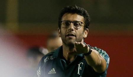 Palmeiras em busca de um treinador