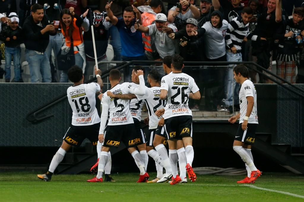 Corinthians vence Grêmio