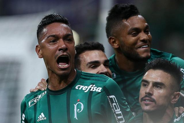 Palmeiras vence São Paulo