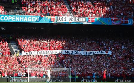 Bélgica vence Dinamarca